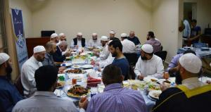 دار القرآن الكريم في لبنان تكرّم د. عادل أبو شعر على هامش ملتقى حفاظ الوحي (2)-001