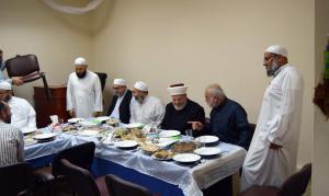دار القرآن الكريم في لبنان تكرّم د. عادل أبو شعر على هامش ملتقى حفاظ الوحي (2)-003