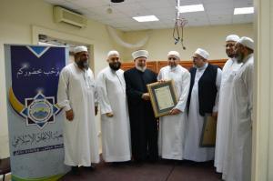 دار القرآن الكريم في لبنان تكرّم د. عادل أبو شعر على هامش ملتقى حفاظ الوحي (2)-006