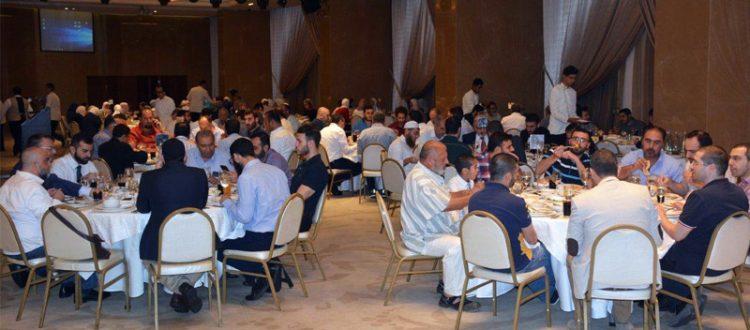 15 مهتدٍ ومهتدية ازدان بهم الإفطار السنوي العام للمنتدى للتعريف بالإسلام