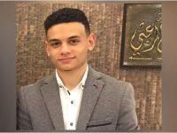 الطالب في دار القرآن عبد الله مرعب (17 سنة) يتمّ حفظ القرآن الكريم في طرابلس