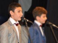 الطالب أحمد بلطجي (12 سنة) يتمّ حفظ القرآن الكريم في طرابلس