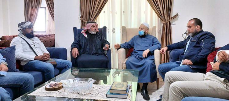 زيارة وفد من جمعية الاتحاد الإسلامي لشيخ عشائر العرب في خلدة أبي زيدان الضاهر