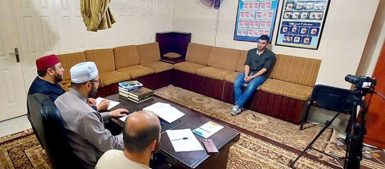 دار القرآن الكريم تجيز الطالب الشاب المثابر عبد الرحمن حسن برواية حفص عن عاصم