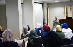 الحجاب.. إلى برّ الأمان - لقاء مع الشيخ حسن قاطرجي-001