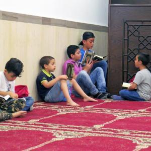 إفطار للأيتام في مسجد الصدّيق - بيروت-001