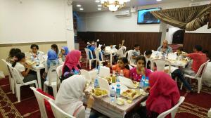 إفطار للأيتام في مسجد الصدّيق - بيروت-003