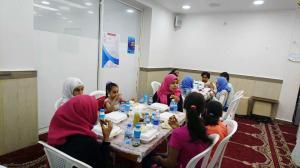 إفطار للأيتام في مسجد الصدّيق - بيروت-009