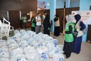 جولة على مخيمات النازحين في البقاع وتقديم المساعدات بالتعاون مع IHH-002