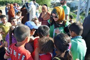 جولة على مخيمات النازحين في البقاع وتقديم المساعدات بالتعاون مع IHH-008