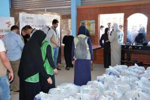 جولة على مخيمات النازحين في البقاع وتقديم المساعدات بالتعاون مع IHH-010