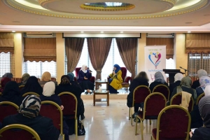 """""""حنايا"""" تكرّم د. نهى قاطرجي على جهودها في مجال نصرة قضايا المرأة المسلمة والحفاظ على الأسرة المسلمة"""