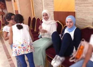 """Emoji، خياطة وطبخ في الأسبوع الخامس من """"فتيات الفرقان"""" في بيروت"""