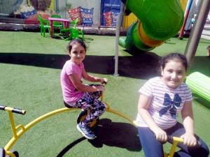 """""""فتيات الفرقان"""" تختتم دورتها الصيفية في بيروت: حفل تكريمي ورحلة ختامية"""