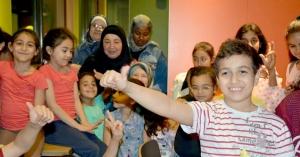 بتبرّع كريم من أخت كريمة.. إفطار وتوزيع هدايا العيد لأبناء مؤسسة نماء في بيروت