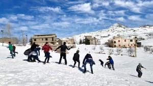 رحلة ثلجية إلى جبال اللقلوق لأشبال عالم الفرقان في طرابلس