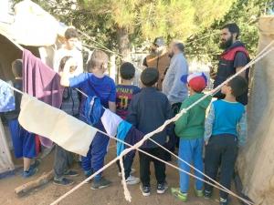 """مخيم كشفي.. عالم الفرقان يختتم دورة """"فتيان المساجد"""" في بيروت"""